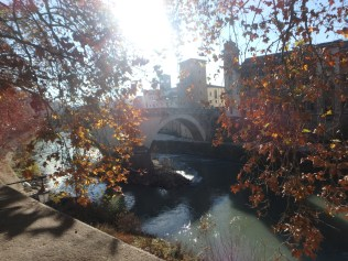 A bridge over the Tevere.