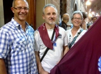 Thomas, Mauro and Daniela a few hours after Torre won, enjoying the celebration in the contrada.
