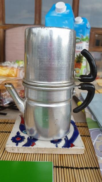 A Neapolitan espresso maker