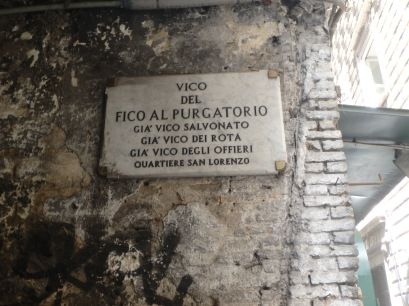 This is Vico del Fico al Purgatario. But it used to be Vico Salvonato, Dei Rota, and Degli Offieri. All in the San Lorenzo neighborhood.