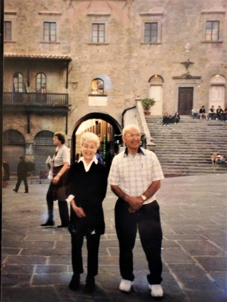 Mom and Uncle Charlie in the main piazza of Cortona.
