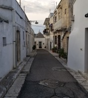 Trullo at the end of the street